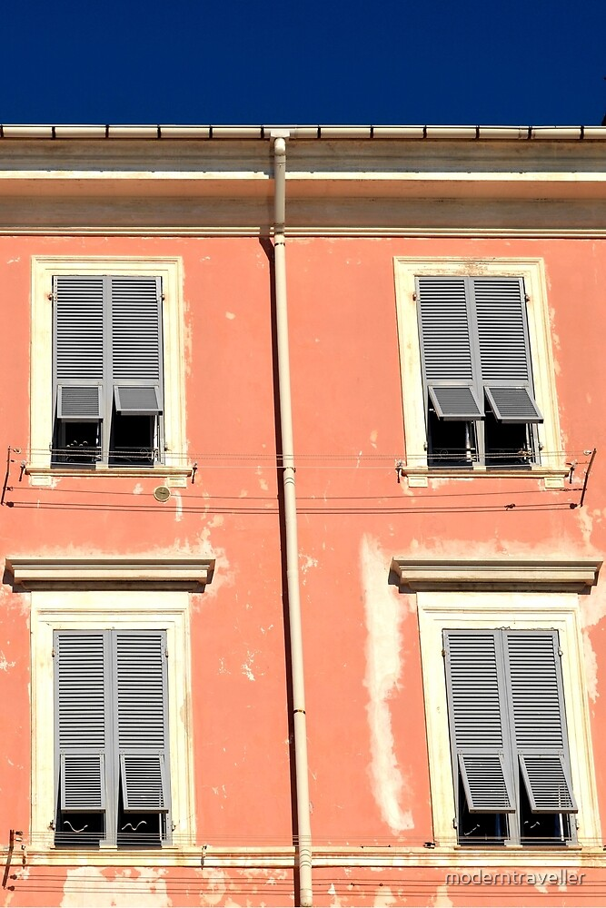 Peach frontage in Italy by moderntraveller
