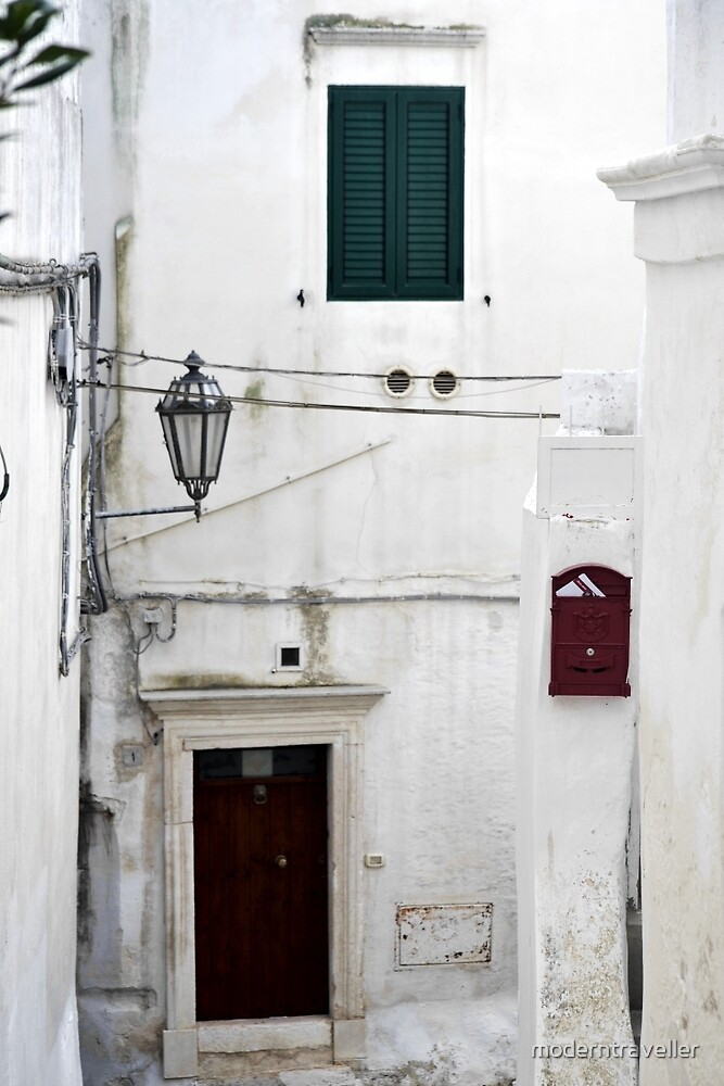 Small streets in coastal town, Puglia by moderntraveller