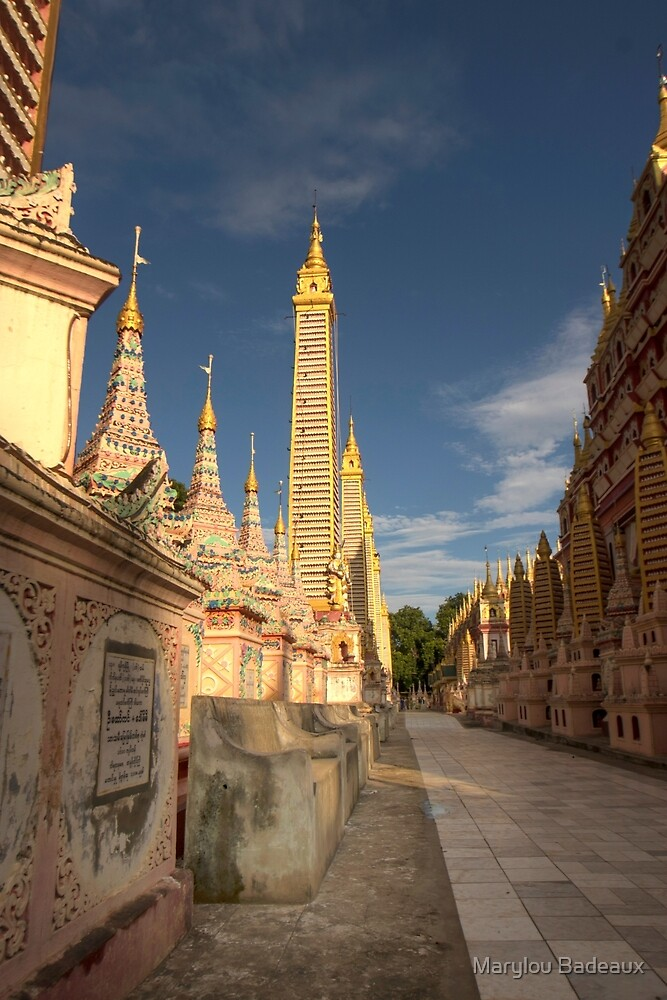 Thanboddhay Pagoda by Marylou Badeaux