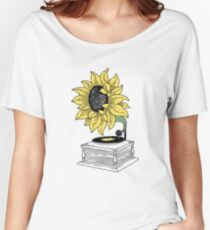 Singing in the sun Women's Relaxed Fit T-Shirt