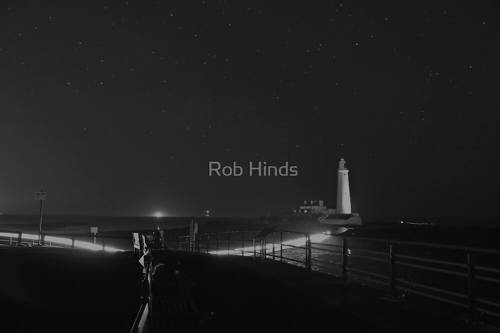 St Mary's Lighthouse - B&W by Rob Hinds