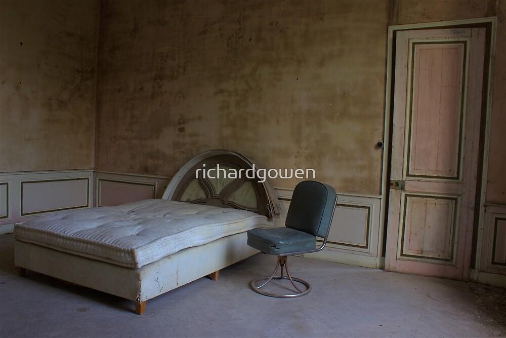 Sit or Sleep. by richardgowen