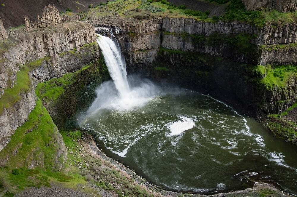 Palouse Falls and Basalt Cliffs by Zigzagmtart