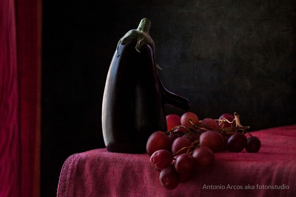 Aubergine and Grapes by Antonio Arcos aka fotonstudio