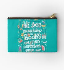 Lose ourselves in books Studio Pouch