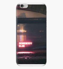 Jemand anderes Leuchtreklame Waren iPhone-Hülle & Cover