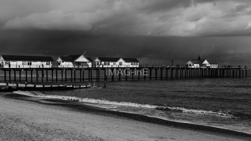 Southwold Pier by IMAG-inE