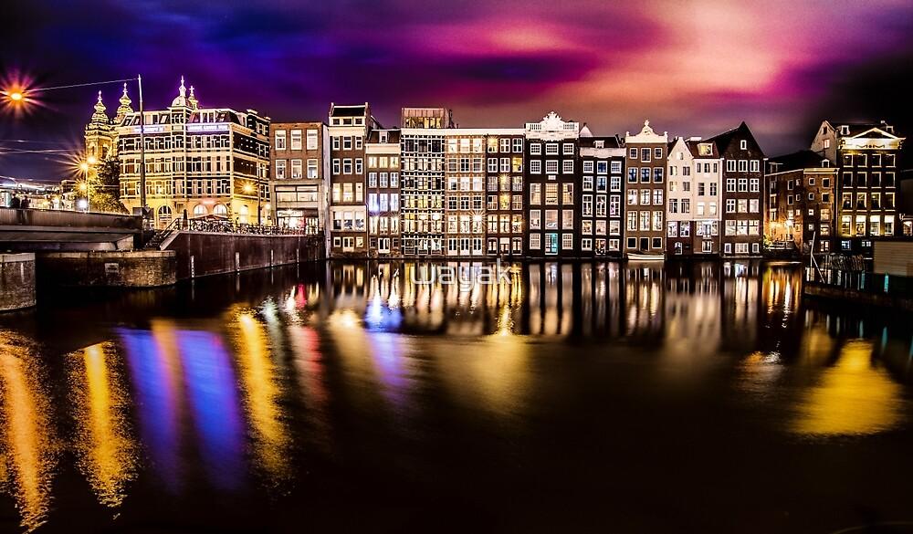 Amsterdan in the night by wayak