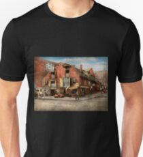 City - PA - Fish & Provisions 1898 T-Shirt