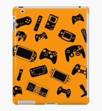 Geeks and more Geeks iPad Case/Skin