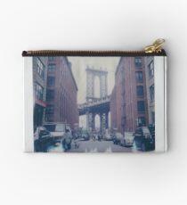 Polaroid Photo - DUMBO, Brooklyn - Zackattack Studio Pouch