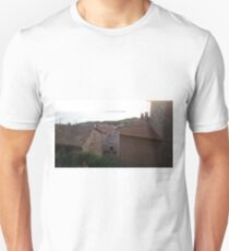 Passignano sul Trasimeno - Umbria, Italy- Italian landscape, italian house, red bricks Unisex T-Shirt