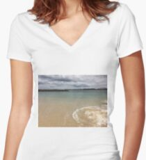Beautiful clear water at Yarra Bay Beach Sydney, Australia  Women's Fitted V-Neck T-Shirt