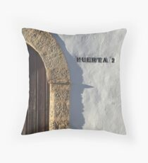 Puerta 2 Throw Pillow