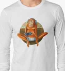 Monkey play T-Shirt