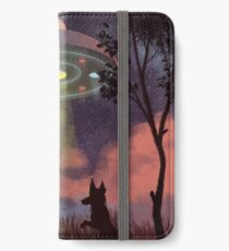 UFO Sighting iPhone Wallet/Case/Skin