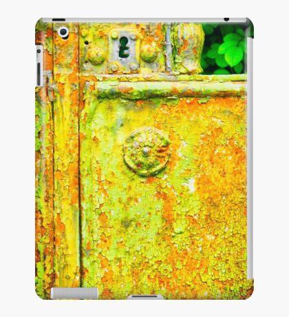 The rusty and peeling gate iPad Case/Skin