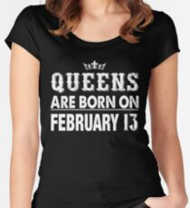 Camiseta entallada de cuello redondo Queens Are Born On February 13