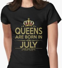 QUEEN ARE BORN IN JULY T-Shirt