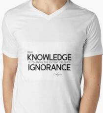 real knowledge - confucius T-Shirt