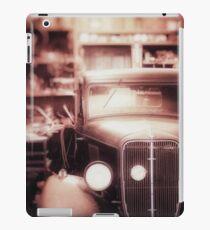 Vintage Car in Garage iPad Case/Skin