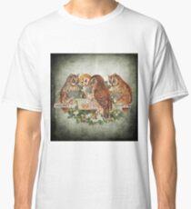 Vintage Owl Classic T-Shirt