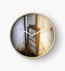 Battery Mishler ladder going nowhere Clock