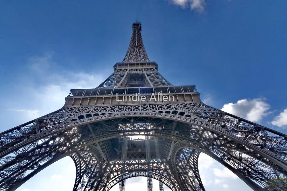 Eiffel Tower by Lindie Allen