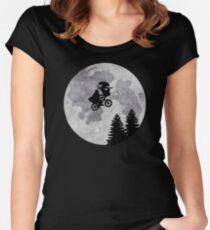 Xenomorph ET Moon Ride Women's Fitted Scoop T-Shirt