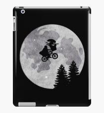 Xenomorph ET Moon Ride iPad Case/Skin