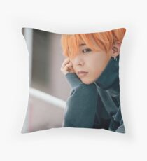 Falling in Love Gdragon Throw Pillow