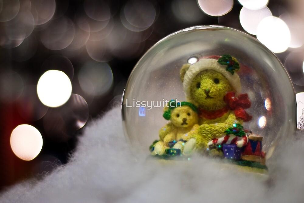 Snow globe bears by Lissywitch