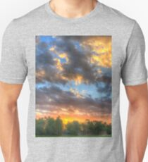 troubled sky T-Shirt