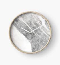 Marble - Silver Glitter on White Metallic Marble Pattern Clock