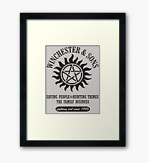 T-SHIRT SUPERNATURAL WINCHESTER & SONS Framed Print