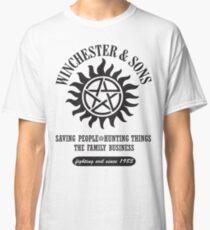 T-SHIRT SUPERNATURAL WINCHESTER & SONS Classic T-Shirt