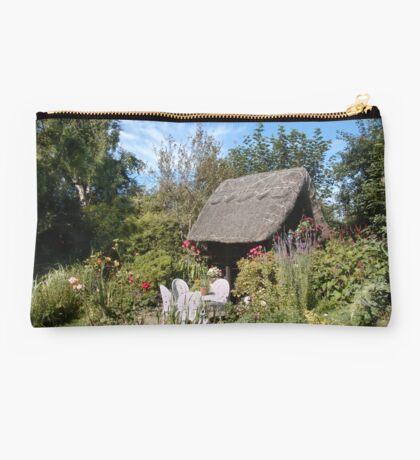 Country Garden Studio Pouch