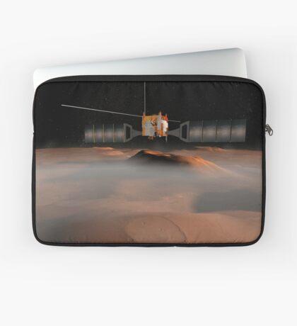 Künstlerisches Konzept der Mars Express-Raumsonde im Orbit um den Mars. Laptoptasche