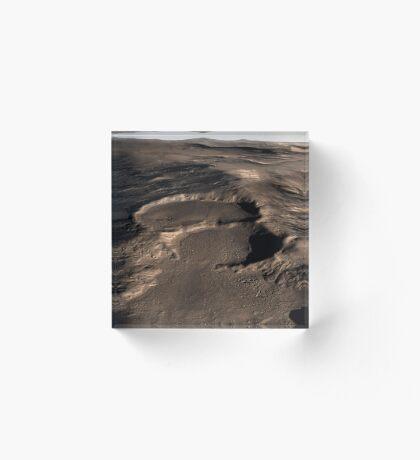 Drei Krater in der östlichen Hellas-Region des Mars. Acrylblock