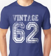 Vintage 62 2062 1962 T-shirt Birthday Gift Age Year Old Boy Girl Cute Funny Man Woman Jersey Style Unisex T-Shirt