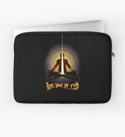meditator - beyoutofull Laptop Sleeve