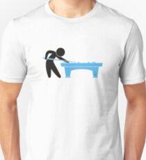 Camiseta unisex Un jugador de grupo está en la mesa de billar