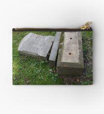 headstone Studio Pouch