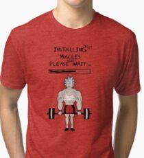 Camiseta de tejido mixto Rick y Morty. Instalando los músculos.