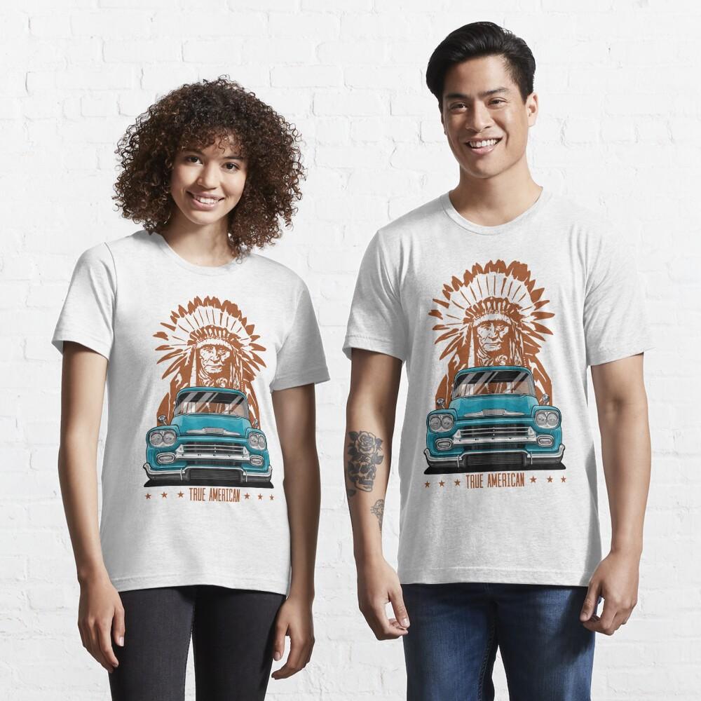 Echter Amerikaner. Chevy Apache Pickup (Aquamarin) Essential T-Shirt