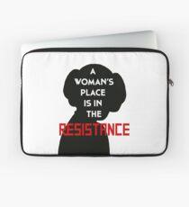 Der Platz einer Frau ist im Widerstand Laptoptasche