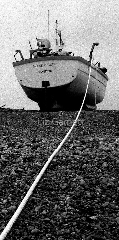 www.lizgarnett.com - UK291/26 - Fishermen's Beach, Hythe by Liz Garnett