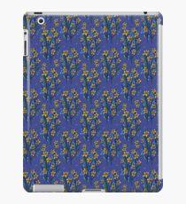 Daffodil dreaming in blue iPad Case/Skin