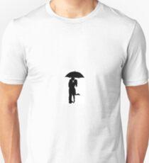 Man and Women It's raining silouehette Unisex T-Shirt
