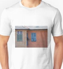 Decorative Italian facade with blue window shutters  T-Shirt